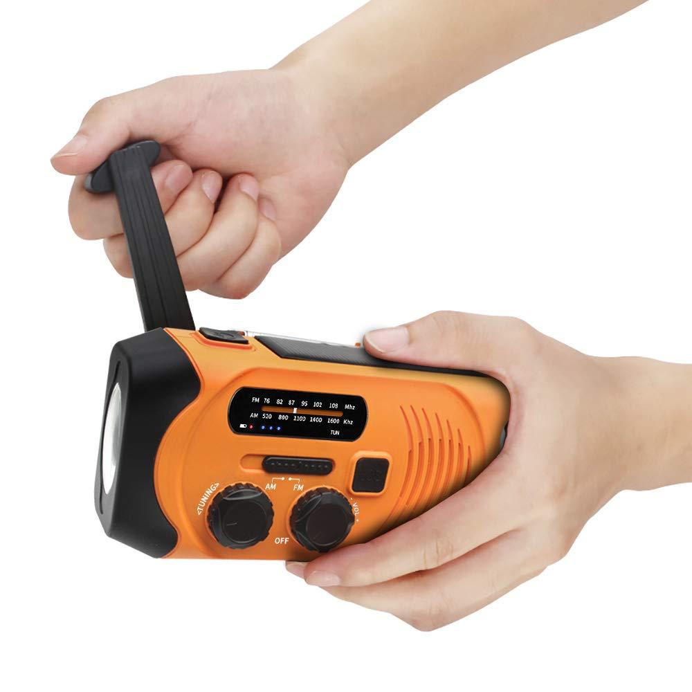 災害時にベストな情報を得る方法は?手回し充電式ラジオを備える