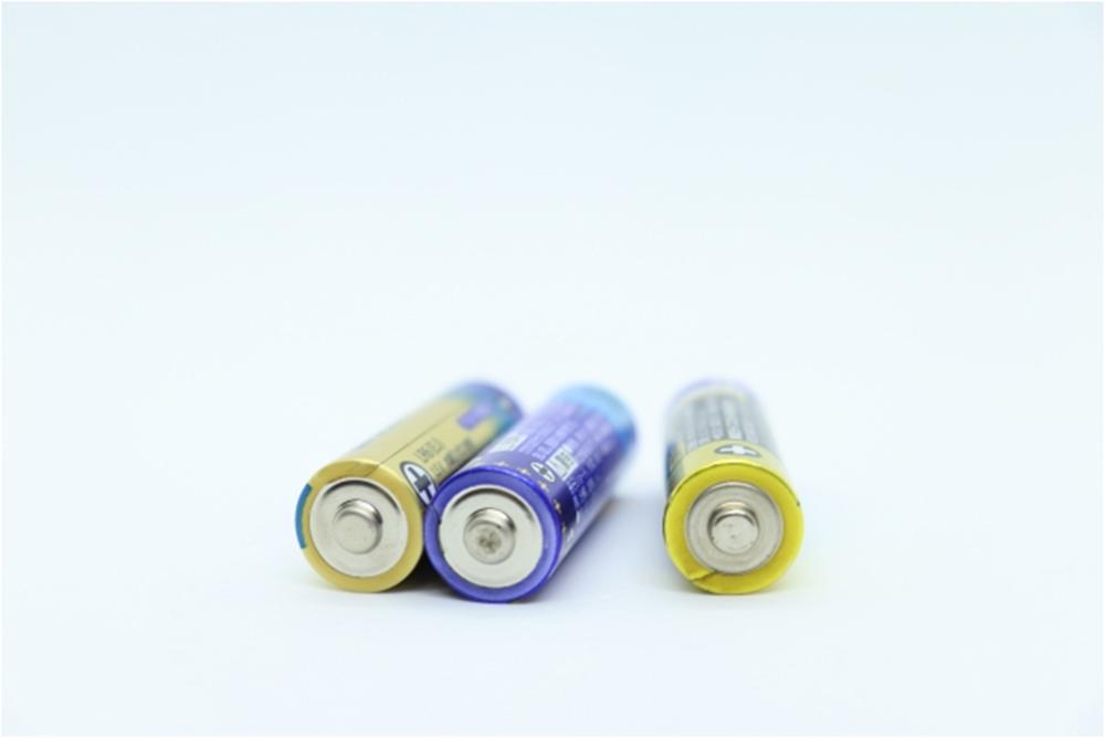 単一電池がない!超非常時における乾電池サイズ変換術